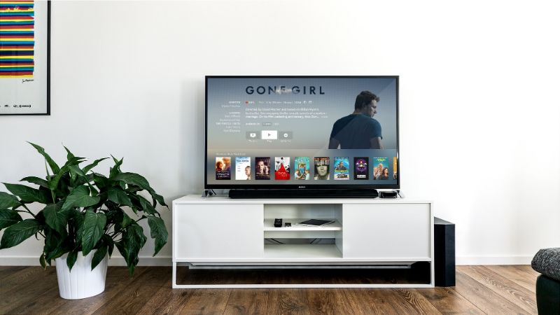 Samsung KS8000 Review, Sleek, Smart, and Picture Quality TV