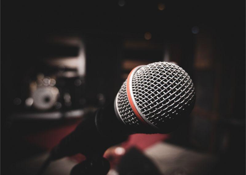 Sing Sing Sing Photo by Sam Moghadam on Unsplash