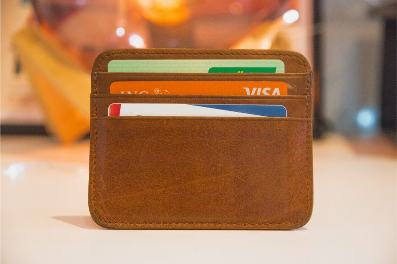 No need a wallet nor a card for cash